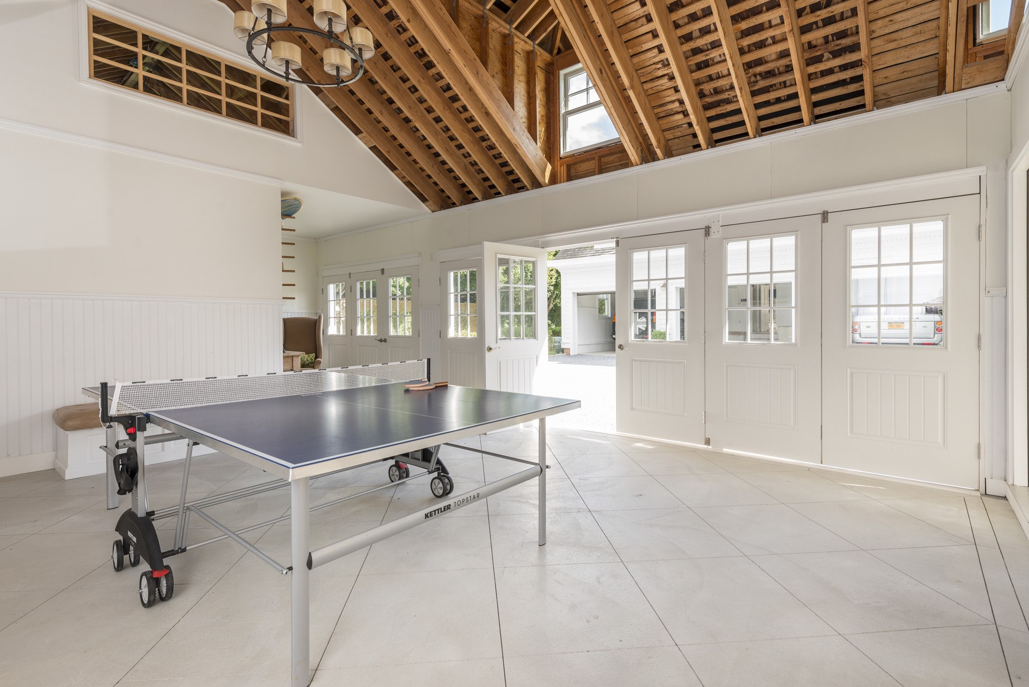 Additional photo for property listing at Southampton Village Estate Summer House  Southampton, New York