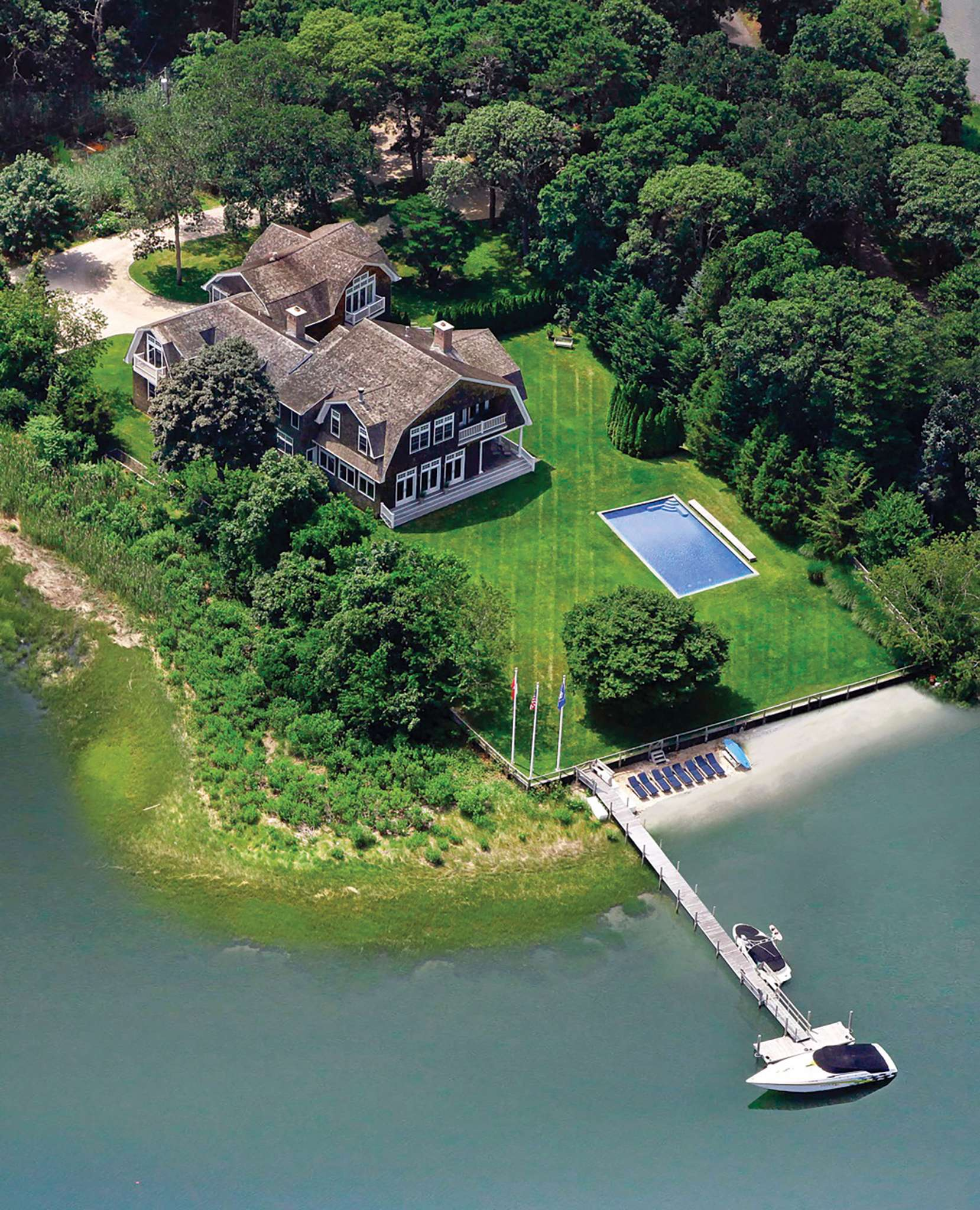 Additional photo for property listing at Waterfront Compound On A Private Peninsula  Southampton, New York