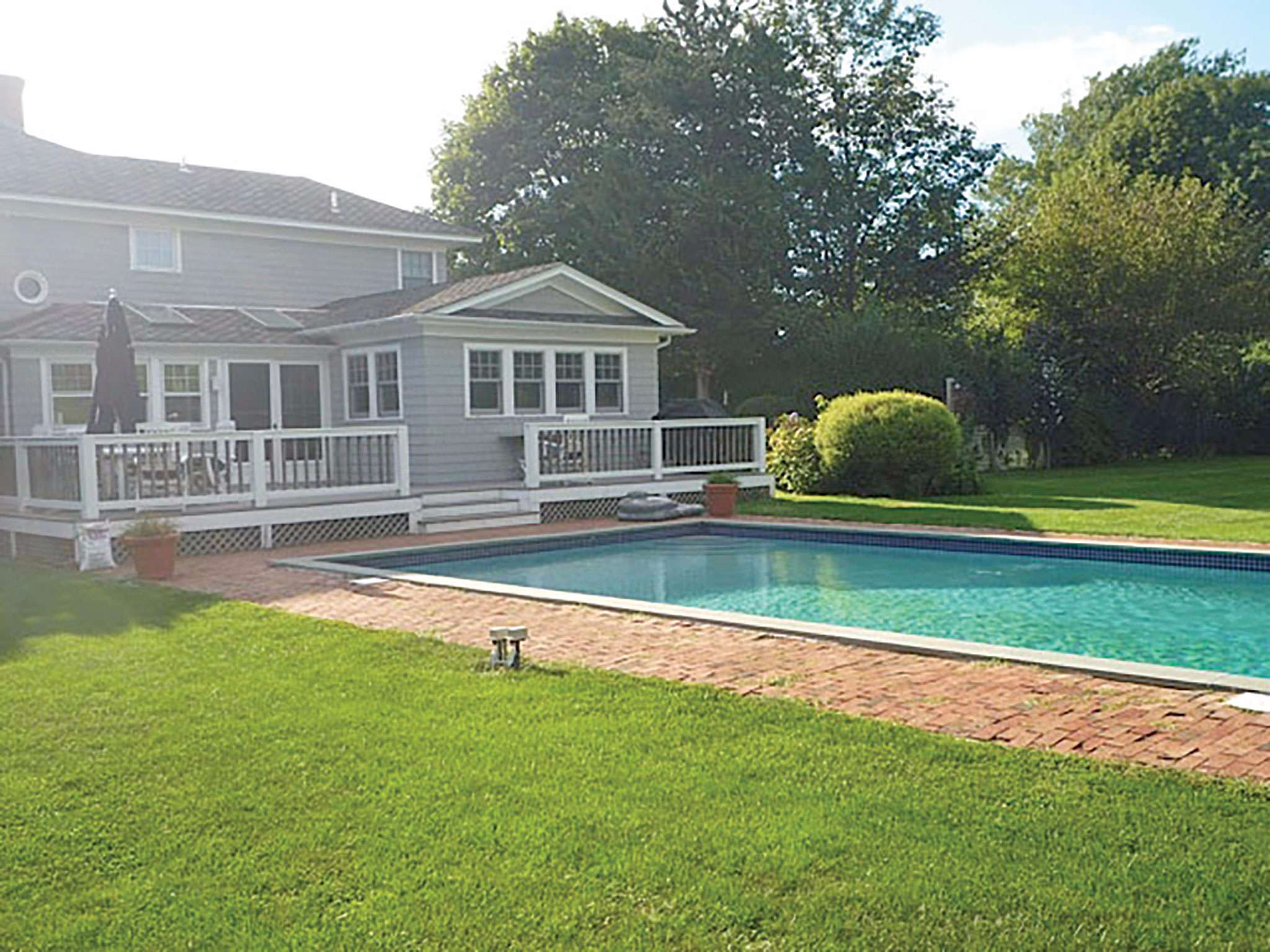 Additional photo for property listing at Adorable Southampton Village Rental  Southampton, New York